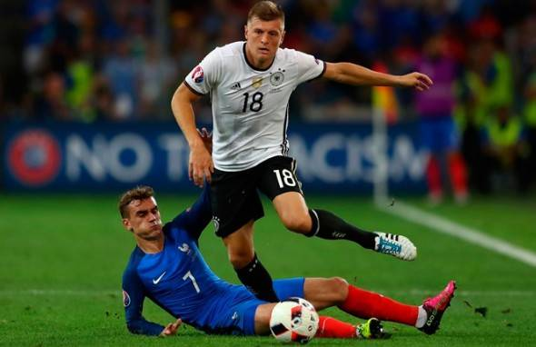 Евро-2016 Германия – Франция, мал золотник да дорог