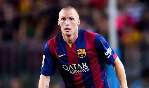 Букмекеры: «Арсенал» усилится защитником «Барселоны» Жереми Матьё