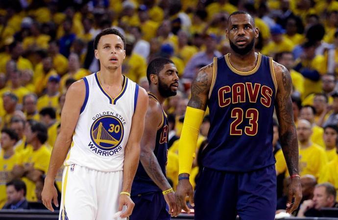 Леброн и Карри тактики в баскетболе