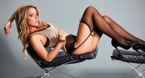 Фитнес-модель Карли Бэйкер