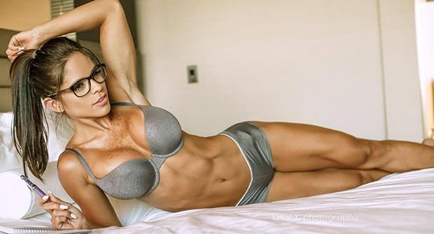 Фитнес-модель Мишель Левин (США)