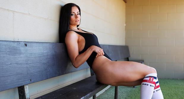 Фитнес-модель Сара Эванс