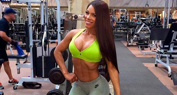 Фитнес-модель Яришна Айяла