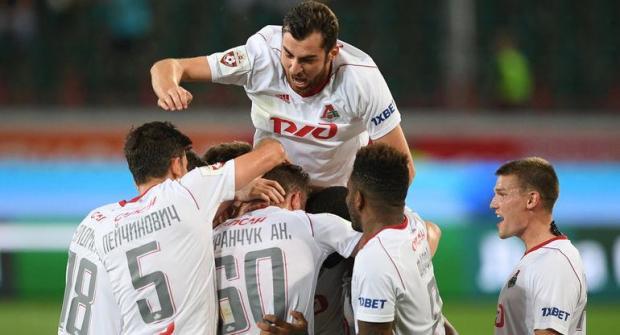 «Лига Ставок»: «Зенит» выиграет в 1-м туре Лиги Европы, «Локомотив» — нет