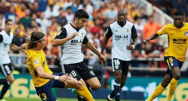 «Атлетико» одержал победу над «Валенсией» иприблизился к«Барселоне»
