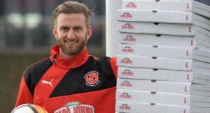 Голкипер «Флитвуда» выиграл годовой абонемент на бесплатную пиццу