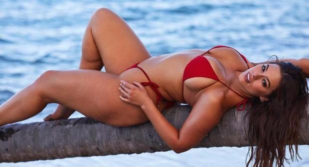 Эшли Грэм — модель Sports Illustrated