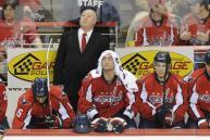 НХЛ зарабатываем на плотном графике в лиге