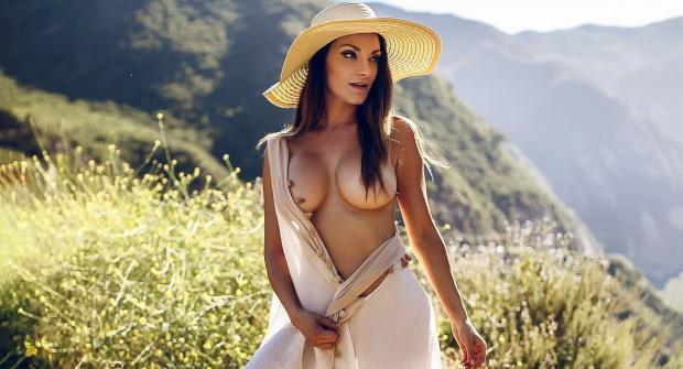 Нена Джейд — модель из Майами