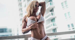 Виктория Ломба — американская модель