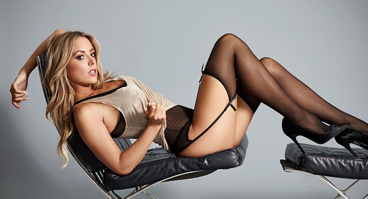 Карли Бейкер — модель из рекламы БК Coral