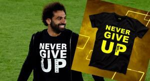 «Париматч» дарит футболки, как у Салаха, угадавшим точный счет в матче «Ливерпуль» — «Барселона»