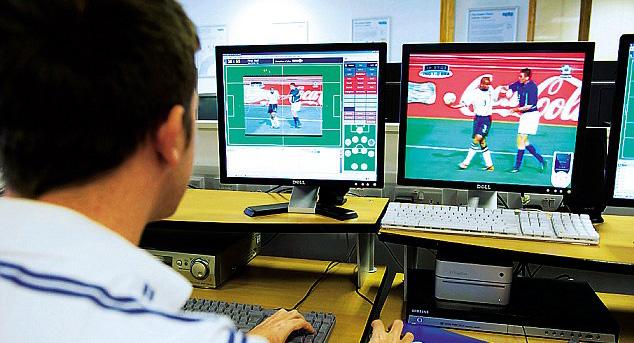 Профессор дает 8 уроков по умной работе со спортивной аналитикой