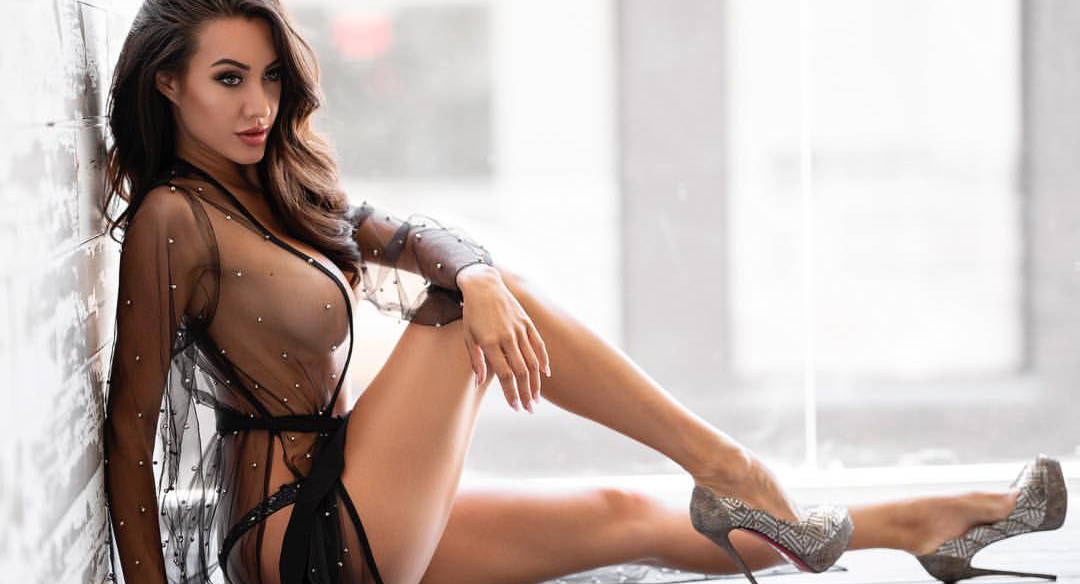 Корри Йи — модель из Лос-Анджелеса