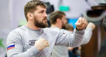 Прогноз и ставка на бой Виталий Минаков — Хави Айяла 25 августа 2019