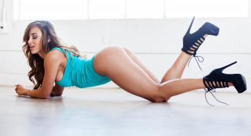 Ана Чери — фитнес-модель