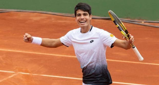 17-летний испанский теннисист — находка для ставок в лайве. За год он выиграл 14 из 15 тай-брейков