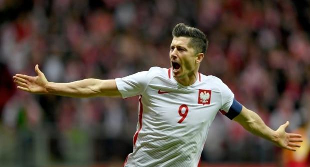 Букмекер дает коэффициент 1,76 на то, что Левандовски забьет как минимум 2 гола на Евро
