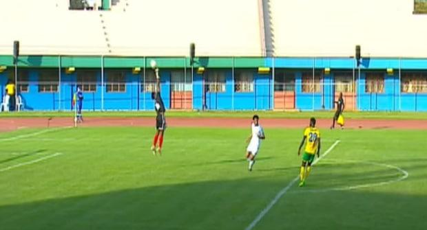 Сборная ЦАР пропустила 5 голов от Руанды. Голкипера заподозрили в сдаче игры (видео)