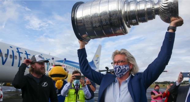 Мэр Тампы надеется, что «Лайтнинг» проиграют «Монреалю» 4-й матч, чтобы выиграть Кубок Стэнли дома