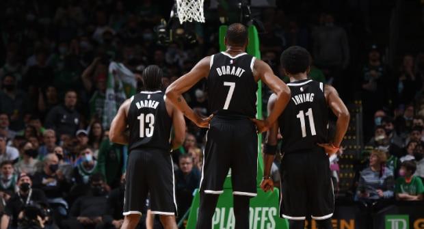 «Лейкерс» или «Бруклин»? Букмекер принимает ставки, какая биг-3 станет самой результативной в НБА