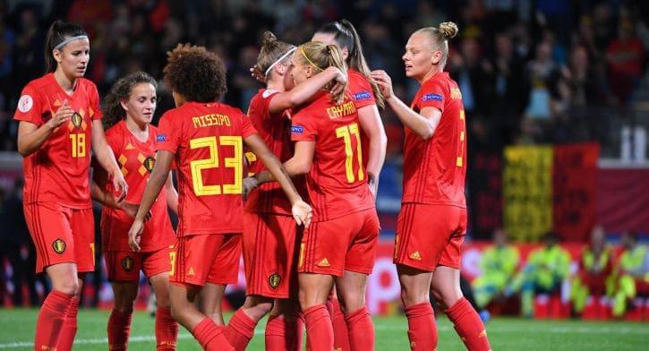 Футболисткам женской сборной Бельгии предлагали по 100 000 евро за сдачу матча