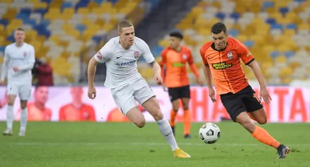 Донецкий «Шахтер» не может обыграть «Зарю» 4 матча подряд. На непроигрыш луганской команды коэффициент 2.65